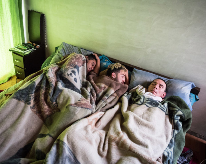 Alejandro Rodríguez, Victor Hugo Prada and Manuel Bermúdez (from left) share bed and life - they got married in 2017.